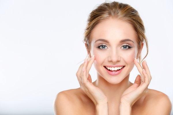 Chăm sóc da từ mật ong giúp dưỡng ẩm cho da...